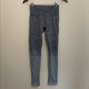lululemon athletica Pants - Lululemon Hi-Rise Grey Ombré Seamless Leggings EUC